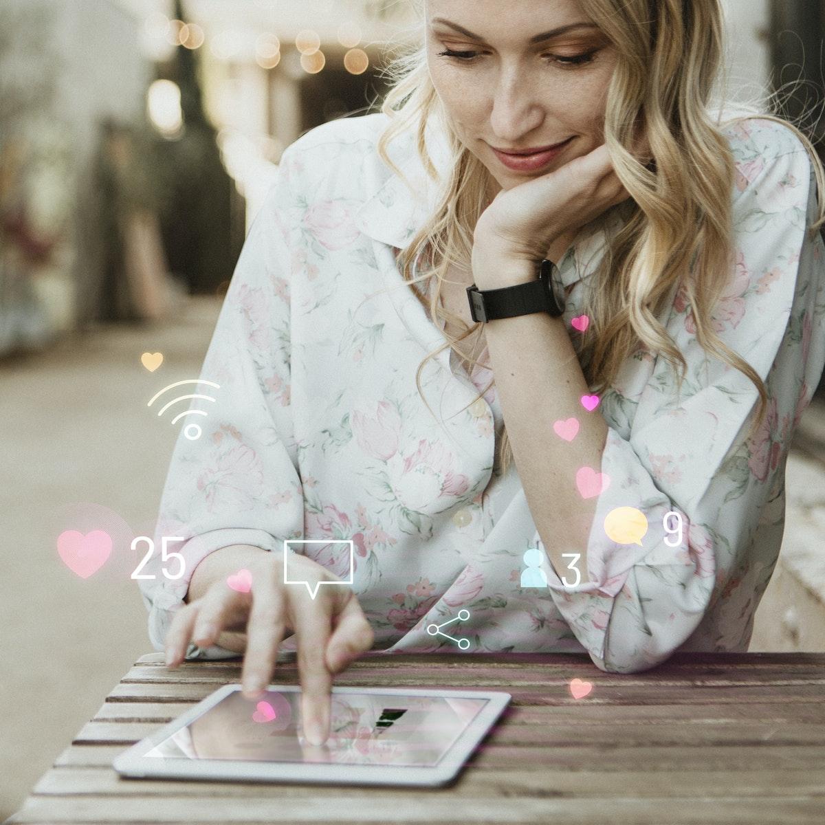 Dans cet article, retrouvez les clés pour décrypter les tendances des nouveaux métiers de la communication et faire les bons choix pour votre futur parcours professionnel.